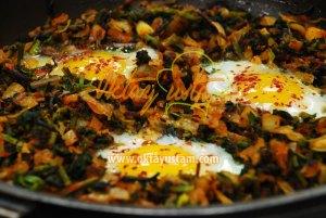 Yumurtalı Isırgan ve Sarmaşık Kavurması